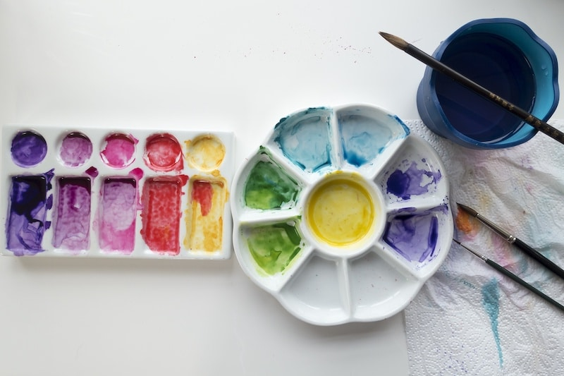 Porcelain is the Best Material for Palettes