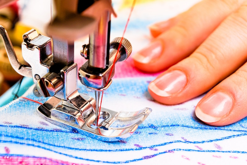 How to Use Different Sewing Machine Feet